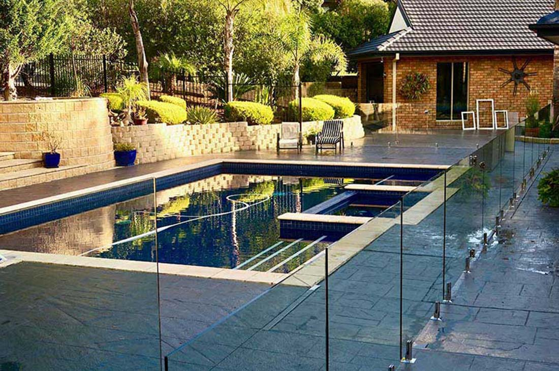 glass-pool-fencing-bacchus-marsh
