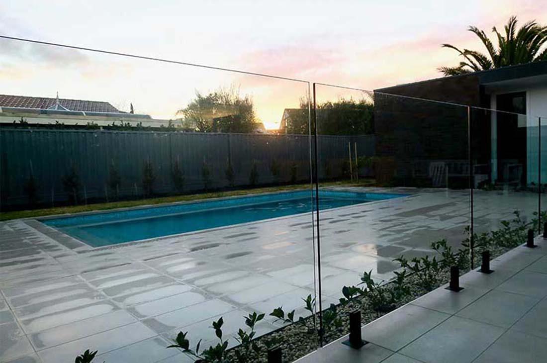 glass-pool-fencing-malvern