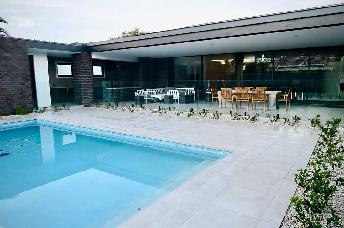 Modern Frameless Glass Pool Fencing