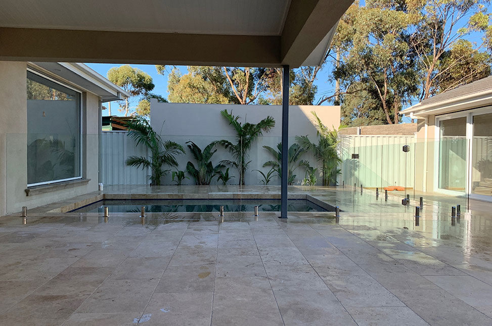 professional-glass-pool-fence-installation-keilor-park