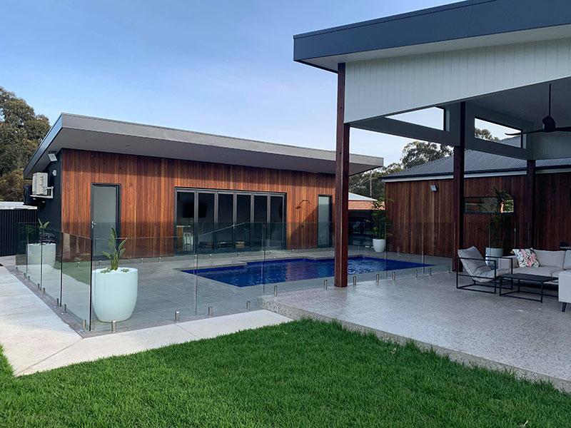 frameless-glass-pool-fence-example